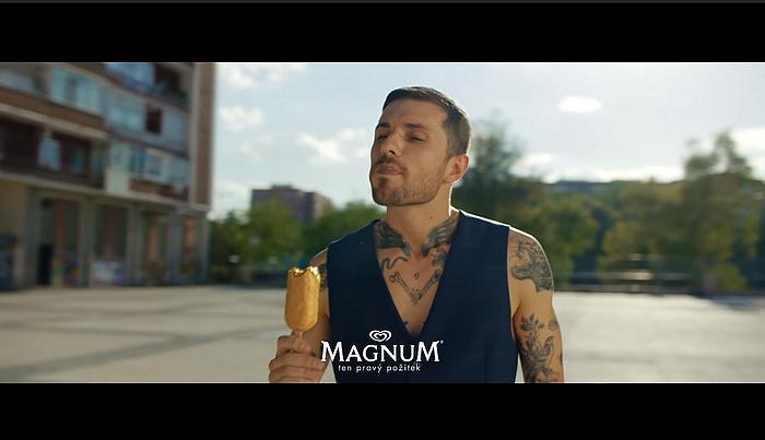 Screenshot aus der Magnum Double Gold Caramel Billionaire Werbung